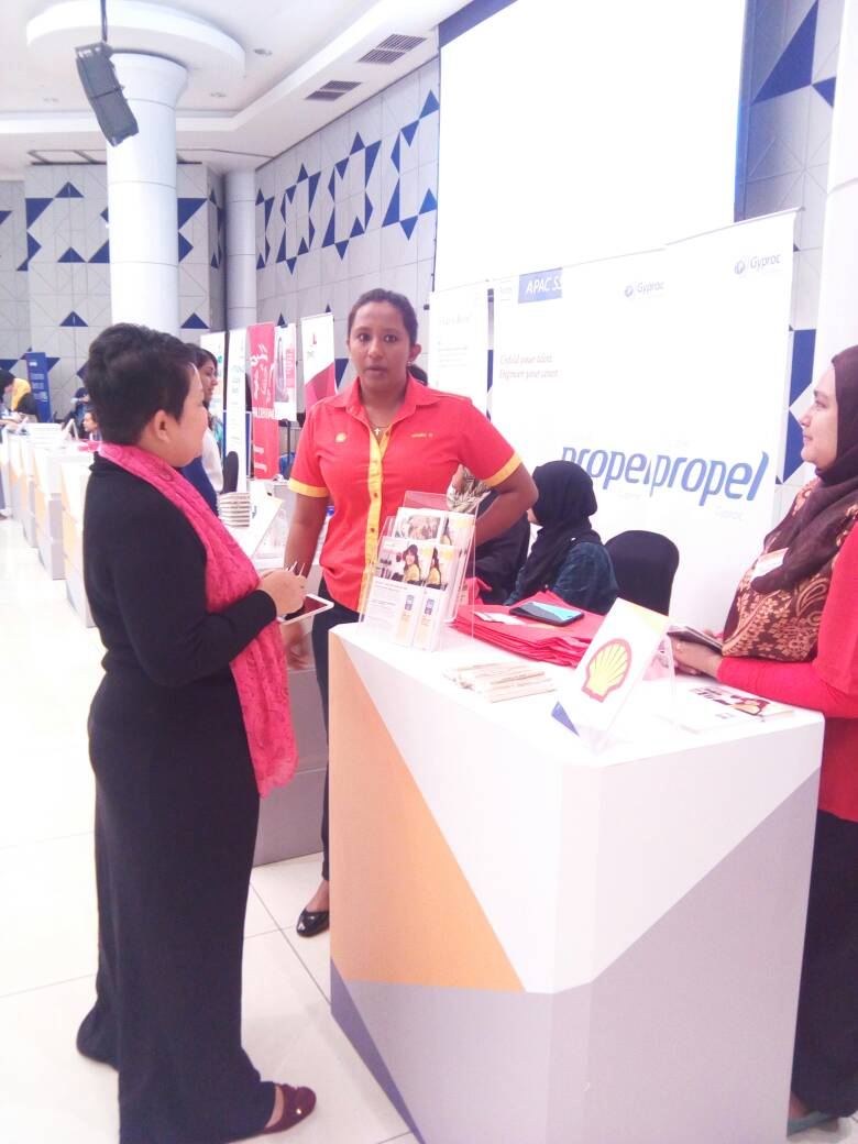 Photo of Hanie at the Shell Malaysia booth